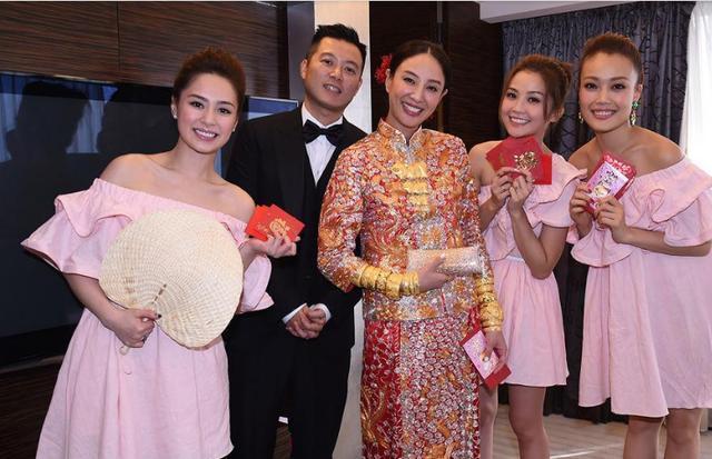 她出道就与陈冠希合作,嫁给相恋7年化妆师,如今凭3岁女儿翻红!