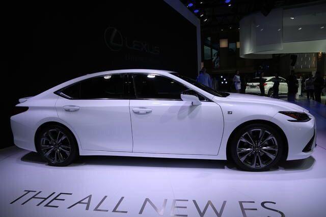 雷克萨斯最帅豪华轿车换代,售价仅30万,欲挑战BBA王者地位