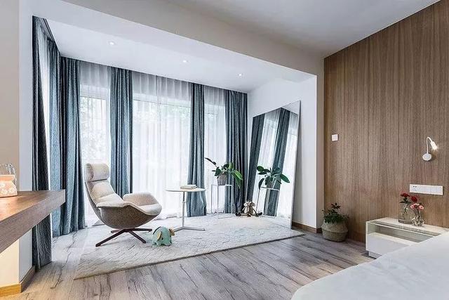 装修新风格:带阳台的卧室,你喜欢吗?
