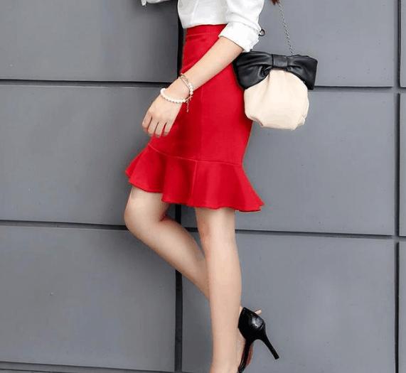 包臀裙和黑丝袜淫骚女_身为职场女性, 包臀裙配丝袜, 得体的身材曲线, 尽显女人韵味