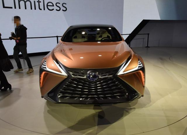 丰田又放大招了!新车比Q8还漂亮,3.5+V6动力 堪称日系最美SUV