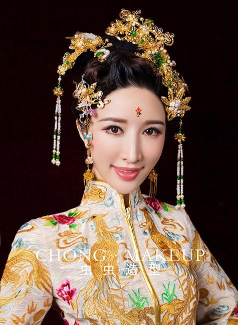 中式新娘造型:龙凤褂vs秀禾服你能分得清吗?