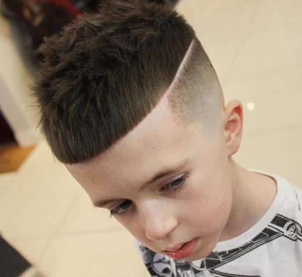 夏天最酷帅小男孩宝宝发型,妈妈们千万不要让你儿子错过