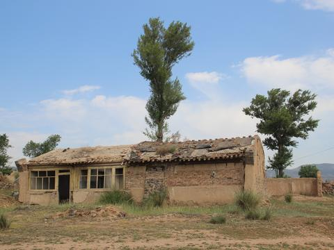 2018年农村房屋整治新政出台,这几类房屋将不能继承只能被拆除!