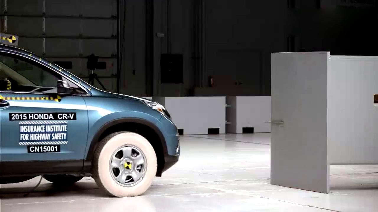 本田CR-V的小重叠碰撞测试,这车必须给5星好评!