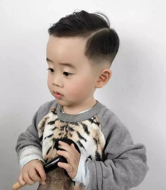 夏天最酷帅小男孩宝宝发型,我萌我剪小分头,我可爱不?