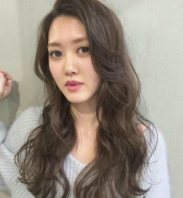 2018最美长卷发,网红刘海,想不红都难_新浪看点图片