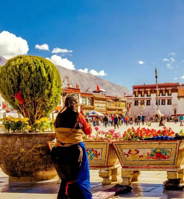 去了西藏才知道,有一种信仰叫一生朝拜!