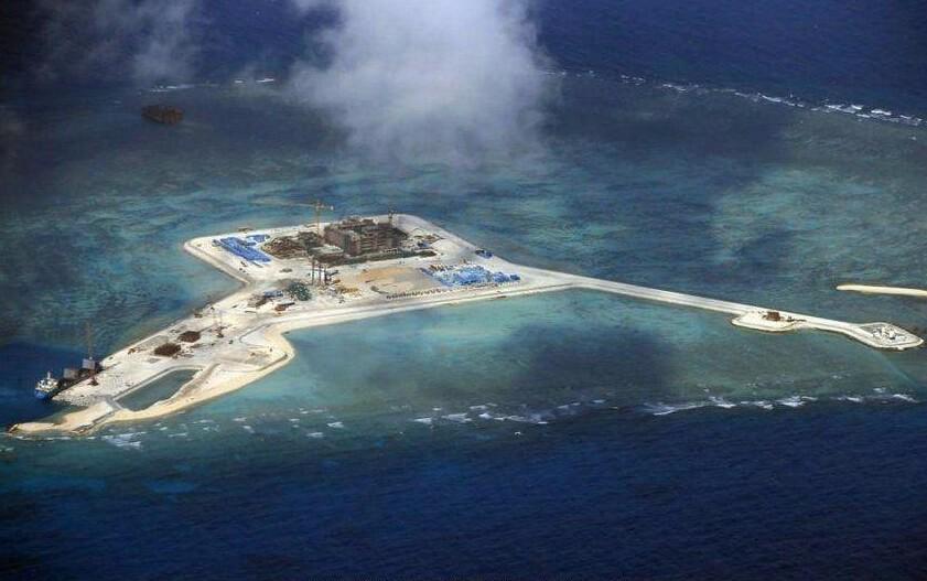 在未来中国南海岛礁扩建的工程中,一定少不了天鲲号的影子,除了去年