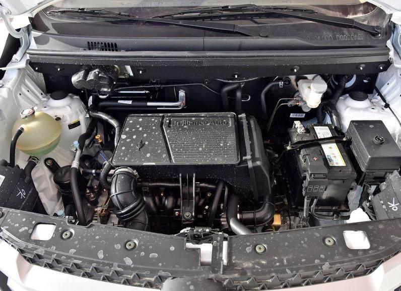 金杯这款7座MPV仅5.38万起售搭1.6L发动机,工信部综合油耗6.7L