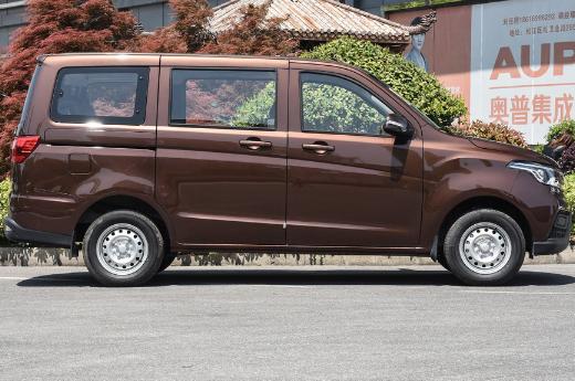 最廉价的长安MPV又降了!比五菱宏光大气 月销7355台 仅3.32万