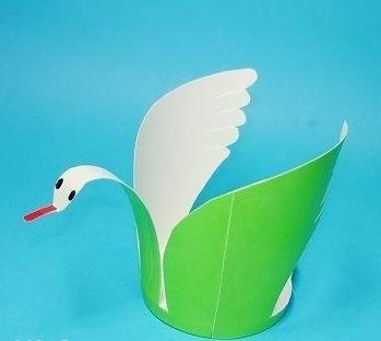 五,幼儿一次性纸杯手工制作作品集锦,动物开会 一次性纸制作装饰品