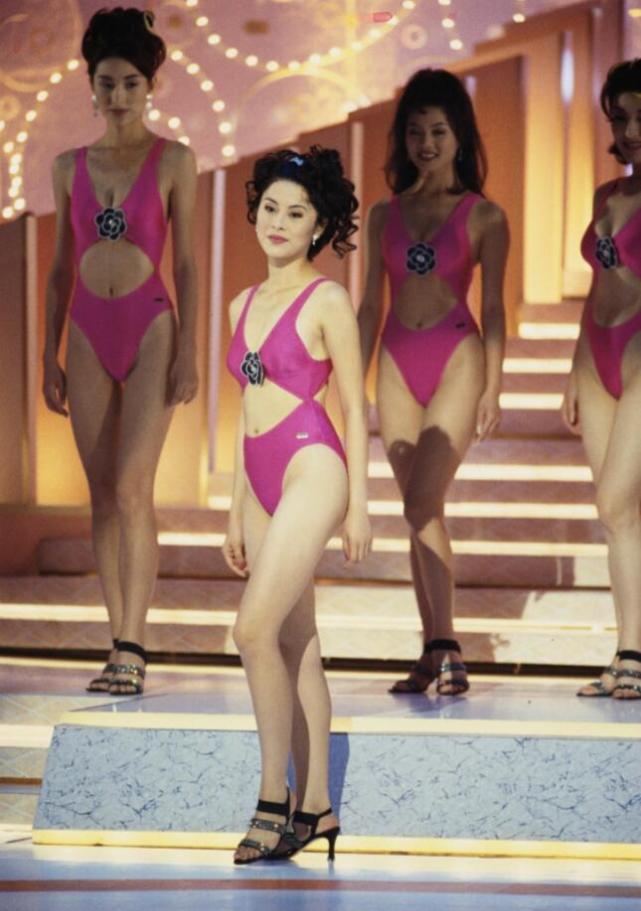黎淑贤的身材在所有的佳丽当中,绝对是能够排行前三的.