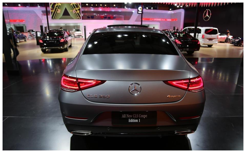 2018年深圳港澳车展推出全新梅塞德斯-奔驰cls四门轿车!