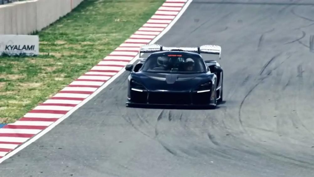 制胜关键 迈凯伦塞纳 超跑在车身设计上总是有着许许多多的凹凸造型,在外行...