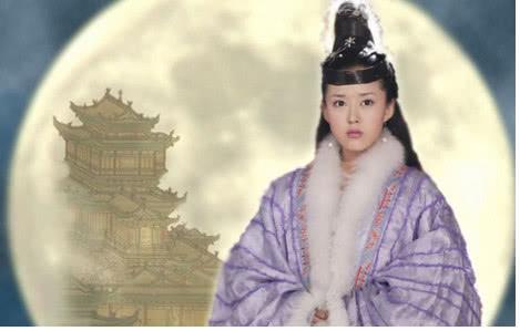 她是赵薇同学,曾被曝靠潜规则上位,如今40岁依然嫩到出水
