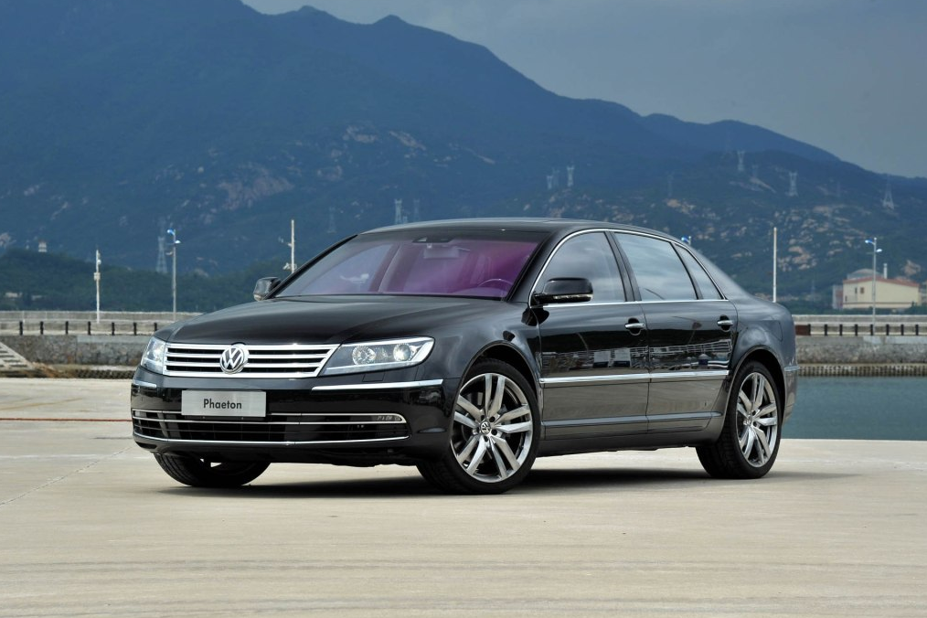 奔驰、宝马的拥有者不一定富有,但这4款车的拥有者一定非常富有