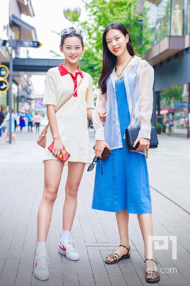 成都小姐最多的地方_成都街拍:春熙路的小姐姐们亲身示范,今年夏天要这样