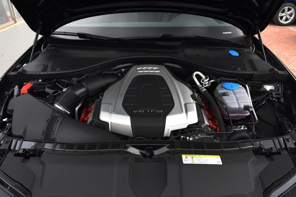 百公里加速5.8秒的旅行车VS油耗8.9L的V6越野车 该选谁
