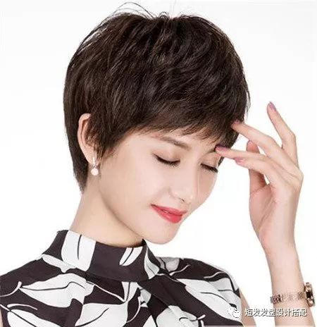 40岁女人短发最新发型流行趋势,焕发青春减龄10岁!图片