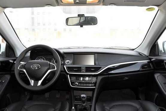 全新V6菱仕,标配全景天窗,逼格比哈弗h6还要高售价也不过才6万