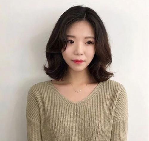 2018流行中短发图片短发,微乱睡不醒中学生真发型头发卡图片