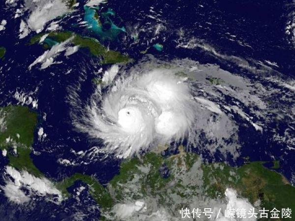 飓风马修出现奇异的红色闪电,科学无法给出合理解释