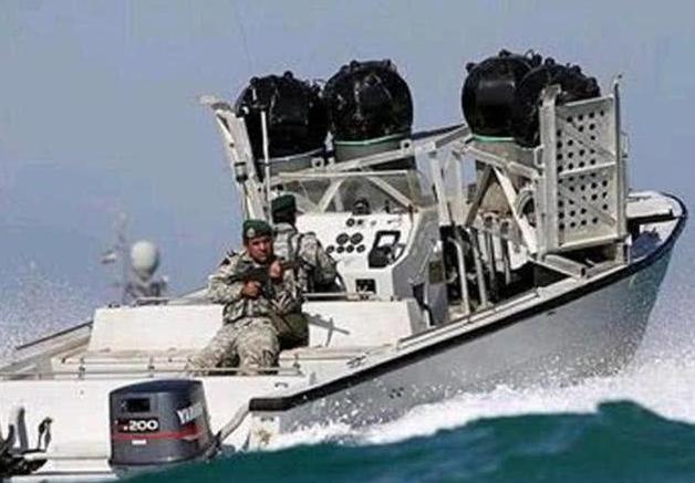 美军终于认怂了!伊朗怒掀底牌强势反击,航母编队立马掉头撤离!