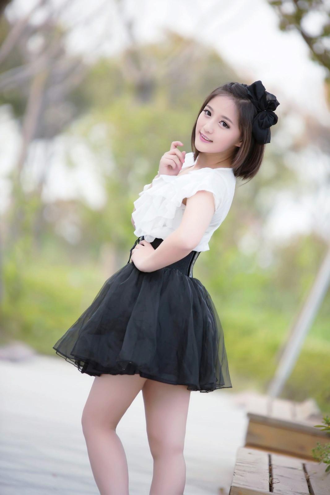 一个年轻时尚,如阳光般温暖笑容的可爱女孩!_新浪看点