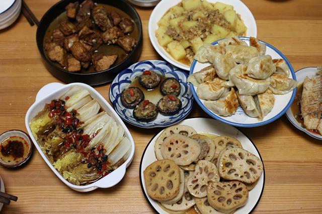 家里吃饭照片_姑婆来家里吃饭,我做了一桌菜,婆婆连连夸,小姑子却说