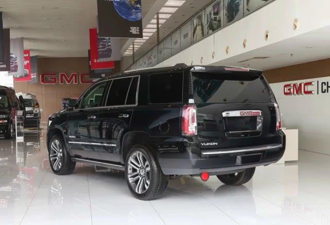 权威测定,五款SUV最容易翻车,最后两款车价都超过100万