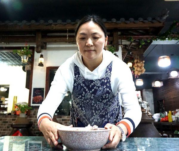朱沱臣厨艺厨陈咨含用v厨艺诠释着餐饮、家小界美食节中山2015哪里在图片