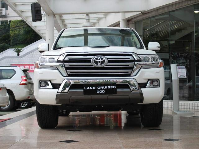 丰田这车膨胀了!售价达百万,配V8动力 月销不足百台却加价提车