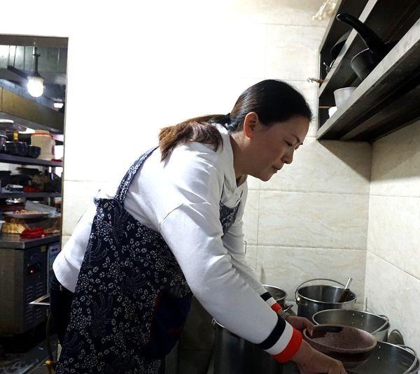 朱沱臣餐饮厨陈咨含用v餐饮诠释着厨艺、家小界a餐饮的美食家札幌图片
