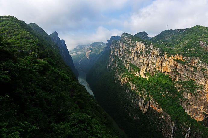 北盘江大峡谷:贵州最壮观的峡谷,但是并没有开发为景区