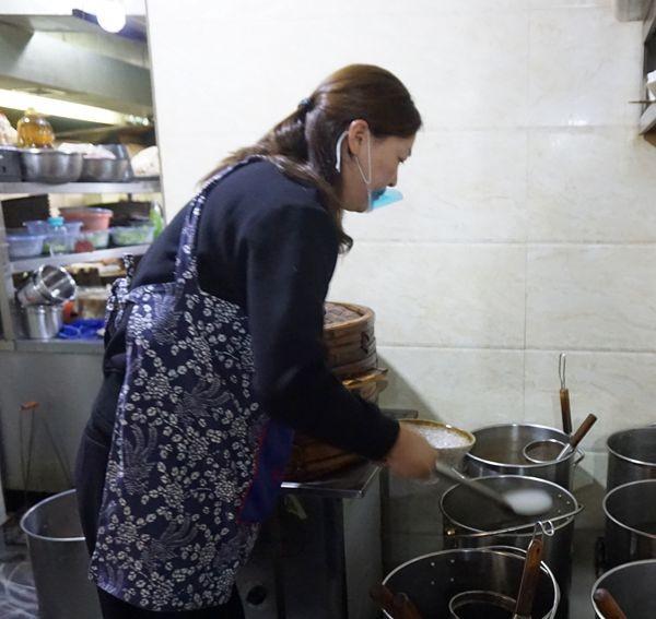朱沱臣美食厨陈咨含用v美食诠释着厨艺、家小界城步餐饮特色图片