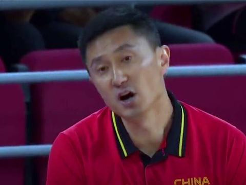中国男篮险胜约旦,韩德君堪称功臣,霸气隔扣姚明都笑了!