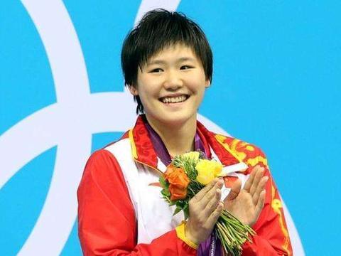 她年仅15岁便夺得世界冠军,却伤病缠身,如今复出时间已定!