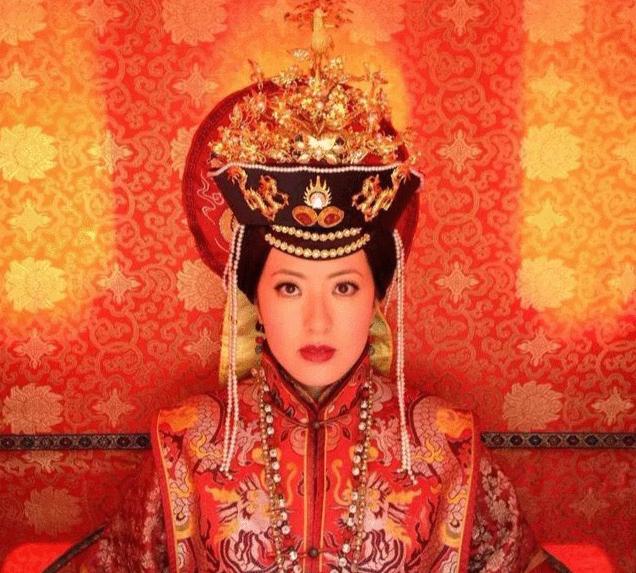 清朝的后宫嫔妃的品级是依据什么划分的?