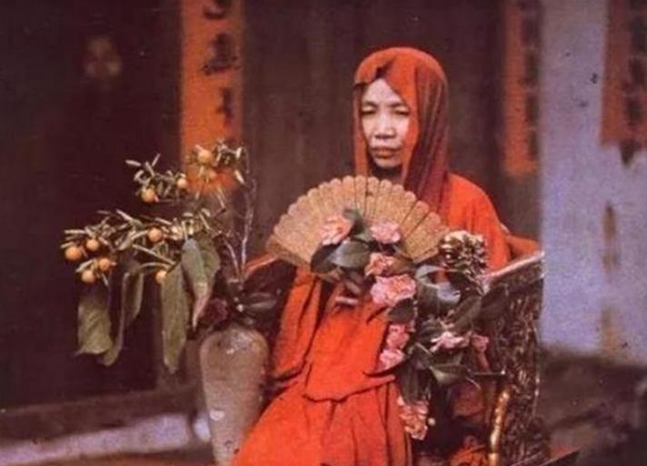 李莲英是真太监_所以在当时深得慈禧的宠爱,因此,李莲英也成为了慈禧的贴身太监!