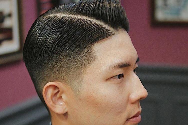 二八侧分油头,除了背头这样的发型一样很有型