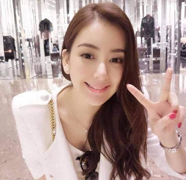 郭富城娇妻方媛晒31岁庆生照, 之前她的生日为何年年变化?