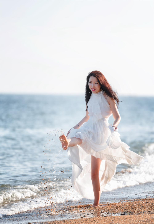 夏天去海边, 除了比基尼, 穿上它拍写真更有吸引力