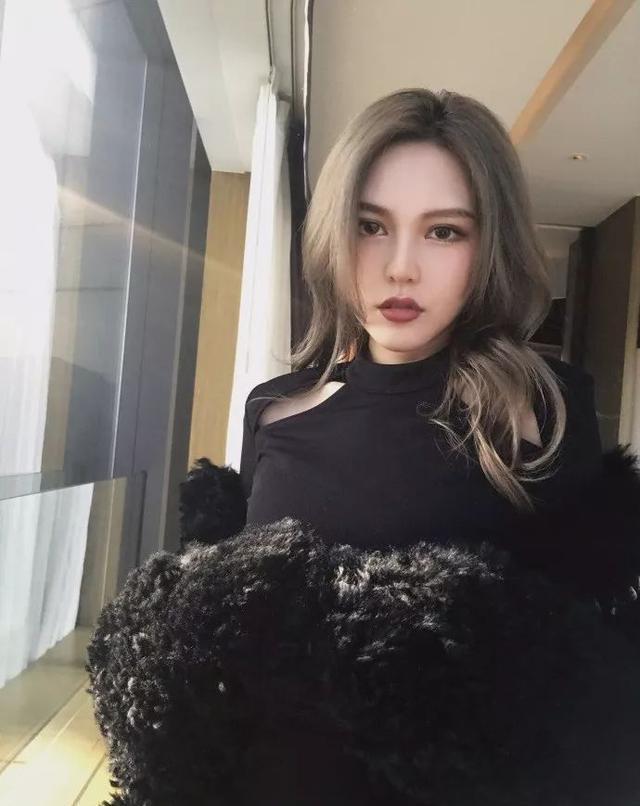 罗志祥性感周扬青九宫素材美照来袭,原来她也是网红性感美女psd女友图片