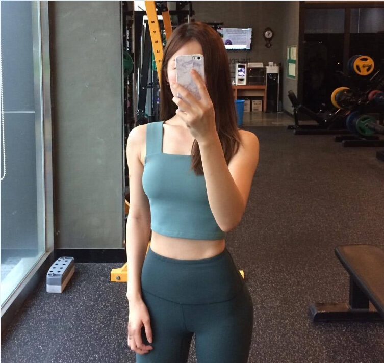 偷拍自拍合集年度_健身女神爱自拍秀身材 网友:看这身材就够了!