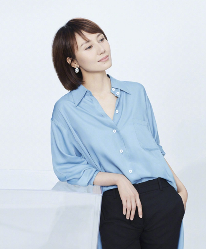 40岁袁泉不过是剪了一款短发,至少减龄20岁,网友:看气质的!图片