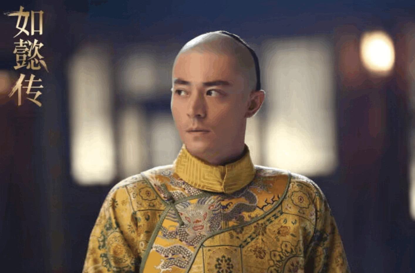 2,张铁林 张铁林在《还珠格格》系列中演的乾隆也是非常深入人心,他
