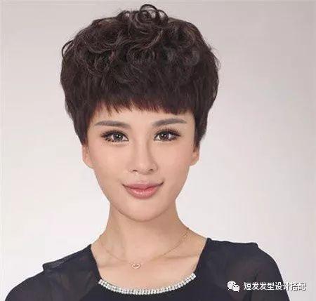 40岁女人短发最新发型流行趋势,焕发青春减龄10岁!