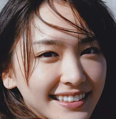 日本女神新垣结衣, 从发型到发色, 她是如何做到百搭不腻的?