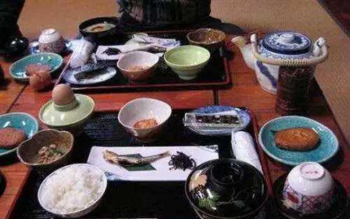 日本人餐_日本人和西方人一样,也是分餐制的.